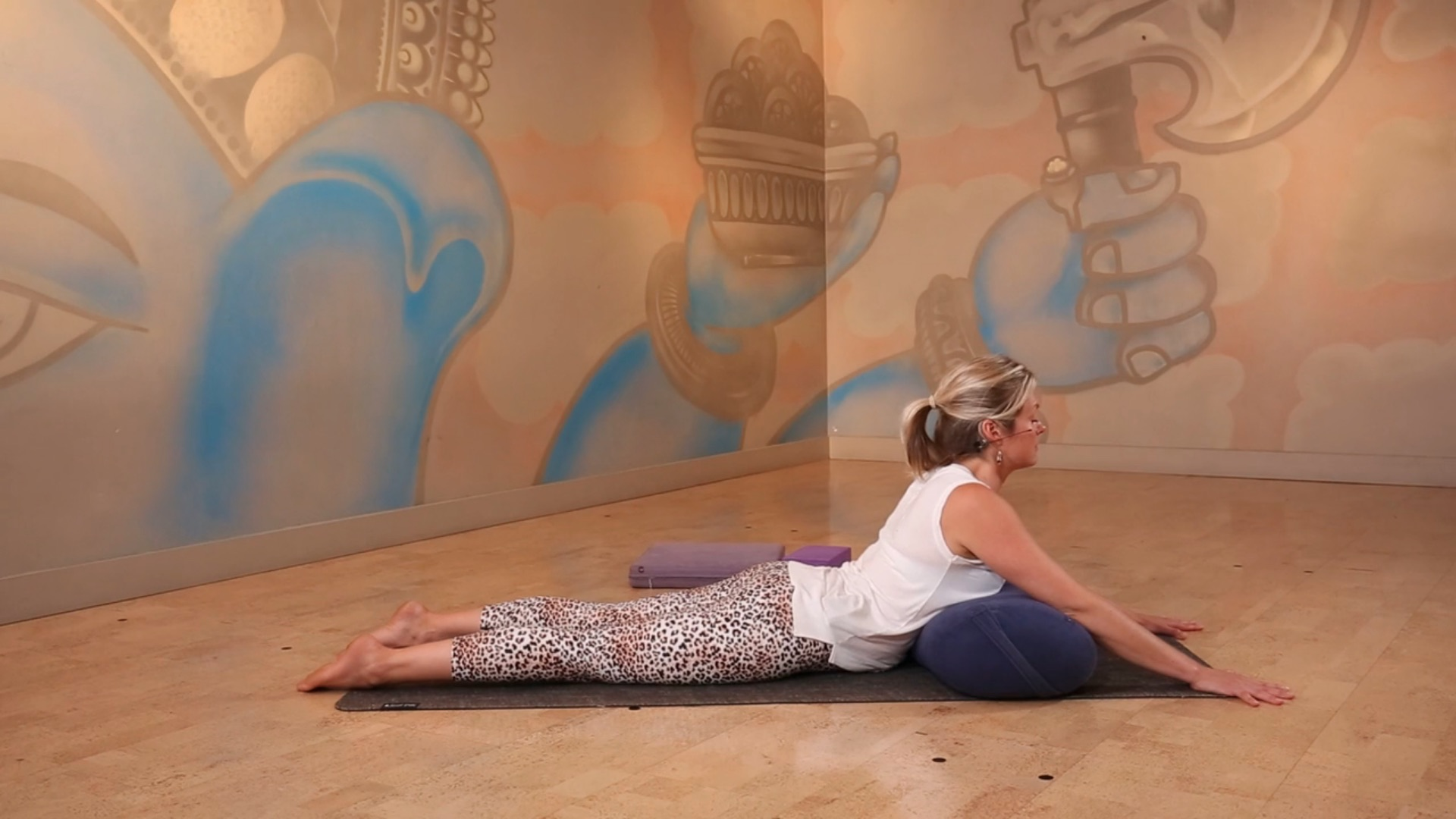 create space to move forward power living yogaholics yoga online lisa clark